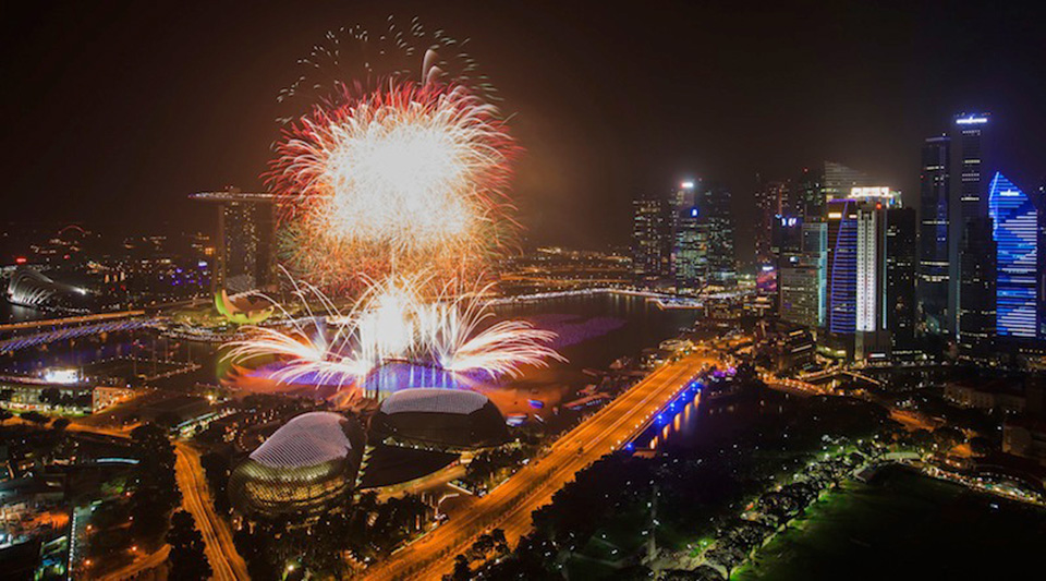 Marina_Bay_new_year_countdown_esplanade_fireworks_SG50_2015_singapore_ashlogue.com_