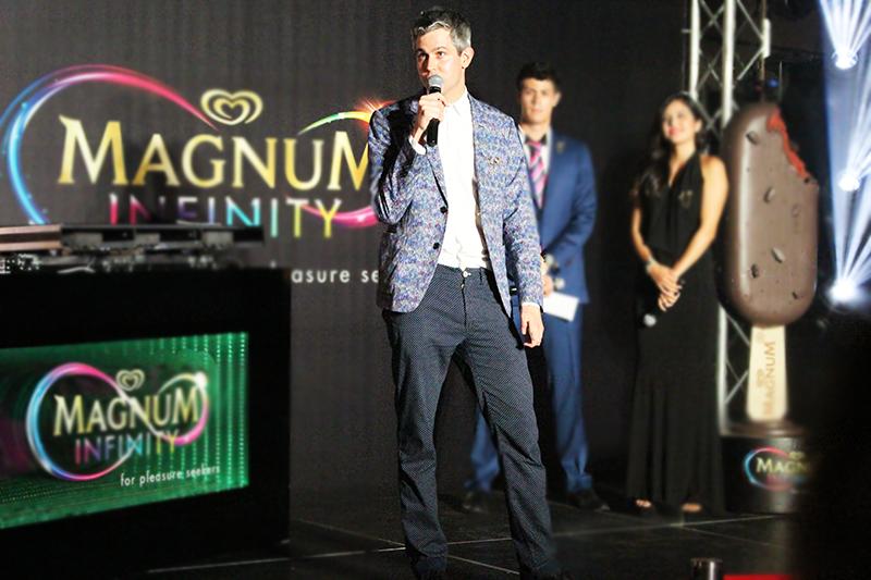 Magnum-Infinity-Singapore-Launch-2015-DJ-Esplanade-Terrace-Erin-Lim-alan-m-wong-emcee-Harry-Parr-Bompas-Parr-ashlogue-ashleey-leong