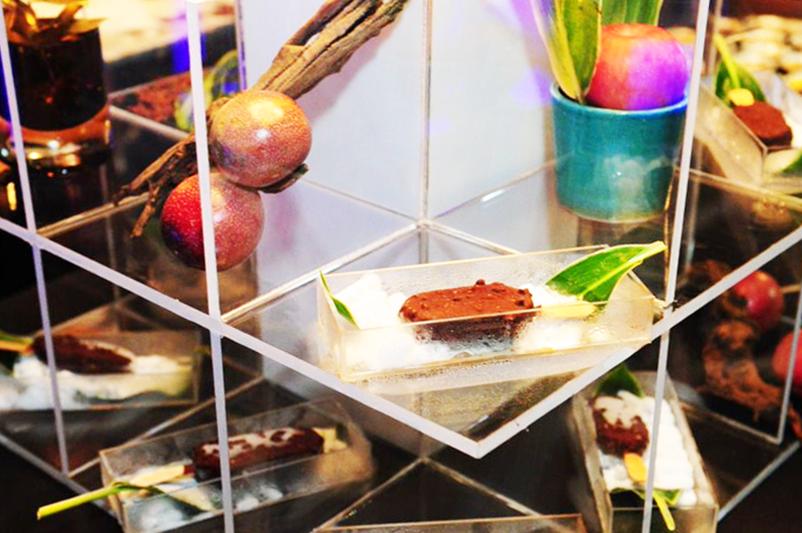 Magnum-Infinity-Singapore-Launch-2015-Esplanade-Terraceg-ice-cream-Classic-sized- Chocolate-Caramel-Chocolate-Mini-ashlogue-ashleey-leong