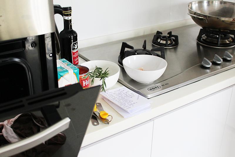 ashlogue_airbnb_ashleey_leong_singapore_birthday_bash_party_paya_lebar_cooking_the_recess_belle_kitchen_the_recess_belle_preparation_alvinology