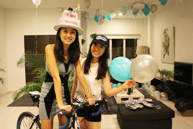 ashlogue_airbnb_ashleey_leong_singapore_birthday_house_bash_party_paya_lebar_living_turquoise_party_wholesale_centre_surprise_balloons_friends_quality_time_alvinology