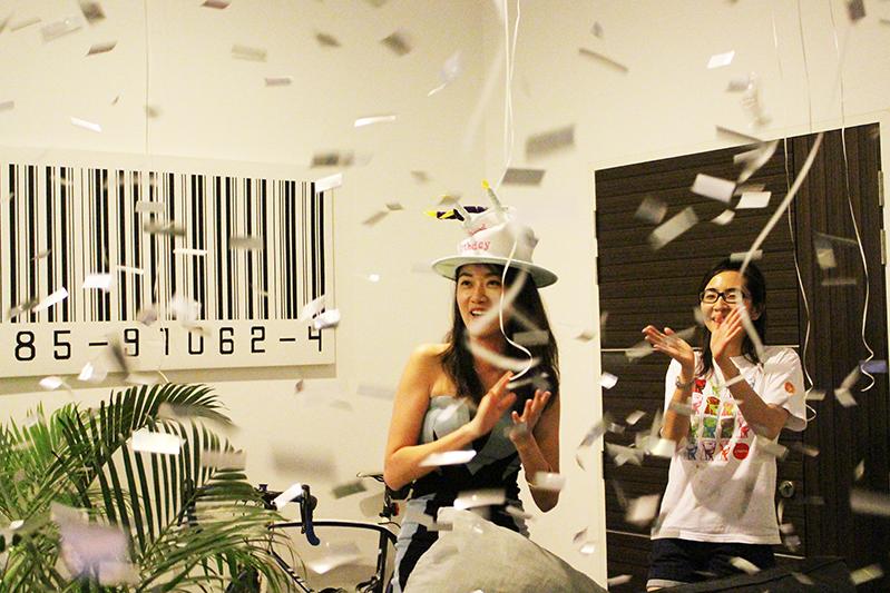 ashlogue_airbnb_ashleey_leong_singapore_birthday_house_bash_party_paya_lebar_living_turquoise_surprise_alvinology