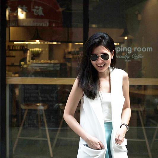 topman_topshop_zalora_launch_party_ashleey_leong_ashlogue_2015_hong_kong_topshop_white_raw-edge sleeveless_vest
