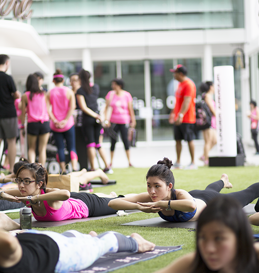 ashlogue_under_armour_singapore_womenofwill_2015_capitol_piazza_yoga_pilates_breast_cancer_campaign_power_in_pink_kelly_latimer_ross_sarpani_kelly_latimer_exercise.png