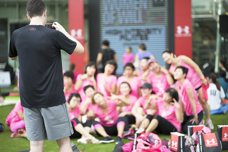 ashlogue_under_armour_singapore_womenofwill_2015_capitol_piazza_yoga_pilates_breast_cancer_campaign_power_in_pink_kelly_latimer_ross_sarpani_photograph.png