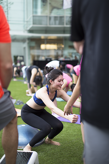 ashlogue_under_armour_singapore_womenofwill_2015_capitol_piazza_yoga_pilates_breast_cancer_campaign_power_in_pink_radian_physiofit_sqaut.png