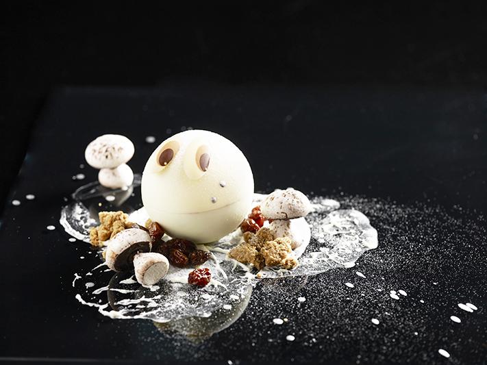 Ashlogue_alvinology_ashleey_leong_singapore_2015_christmas_1-altitude_stellar_raffles_snowmen_chef_jasmine_chew_desserts_december_white_chocolate_snowball