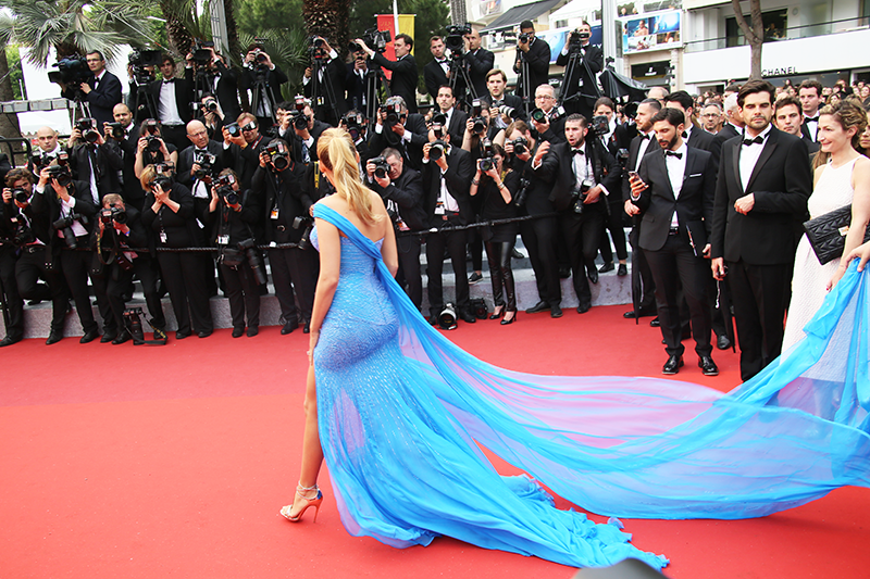ashleey leong_ashlogue_ashloguemag_entertainment and social lifestyle magazine_cannes film festival 2016_cannes_france_blake lively_vogue_dailymail_blake lively in versace 2016