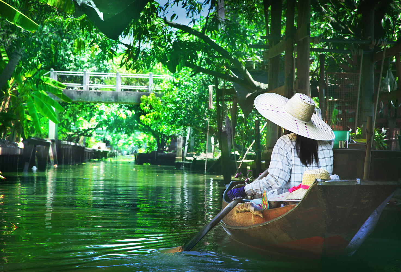 ashlogue_ashleey leong_bangkok_oriental residence bangkok_family vacation_luxrious apartment_luxury hotel in bangkok_booking.com_tripadvisor_grand palace_family_Floating market bangkok