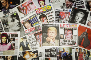 Paul Roberts Pays Tribute To David Bowie in Singapore