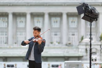 ashlogue_ashleeyleong_joshkua_violin_ashlogue-magazine_fullerton-bay_fullerton-bay-hotel-singapore_entertainment-magazine